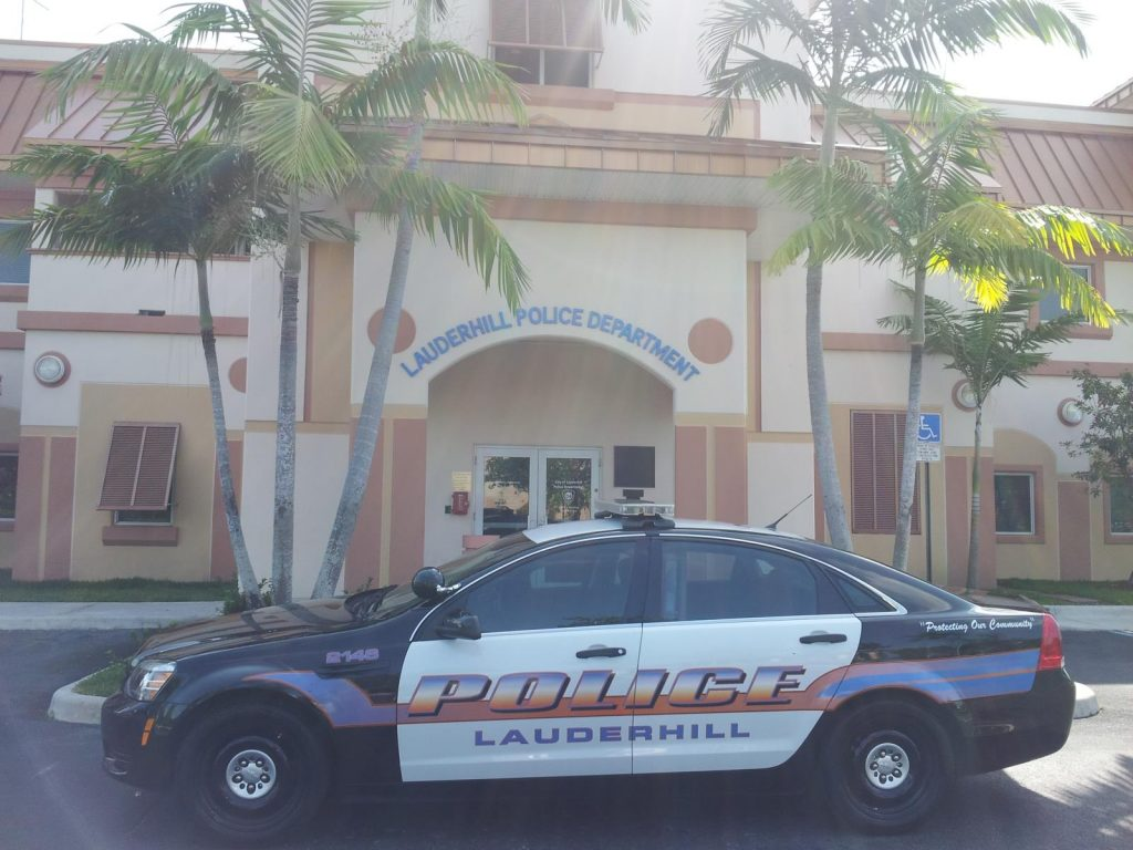 LAUDERHILL POLICE ARREST DISABLED MAN HAVE HIS WHEELCHAIR TOWED